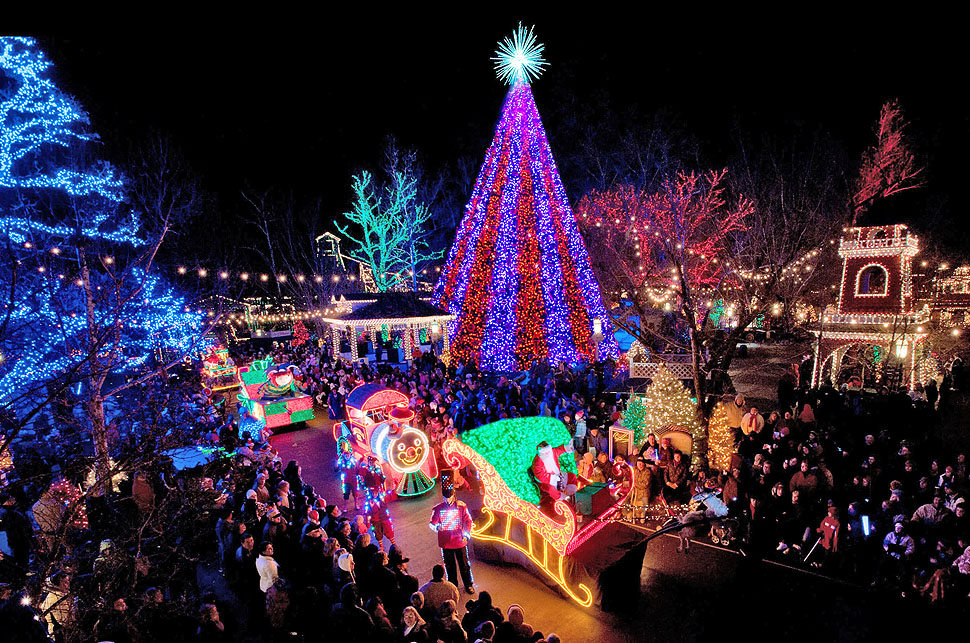 SILVER DOLLAR CITY HOLIDAY LIGHTS